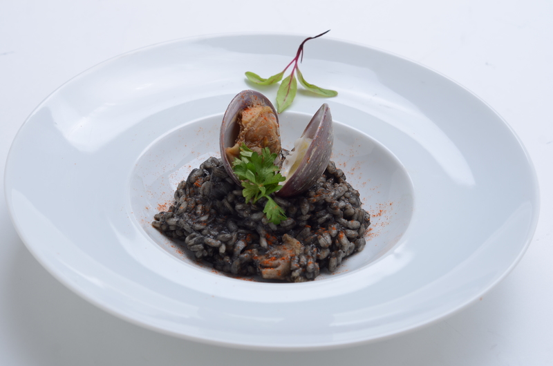 BLACK RICE WITH CLAMS BROTH