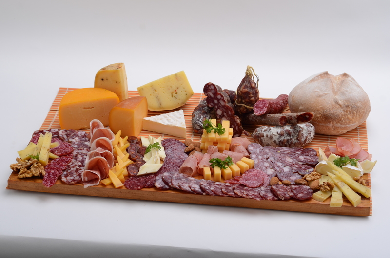CHEESE AND SAUSAGES BOARD